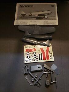 Testors North American SNJ Texan No 696 Plane Model Kit with Instructions