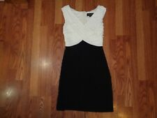 SCARLETT NITE SHEATH BLACK WHITE V NECK CROSSOVER BUST TINY LAYERS STRETCH EUC 8