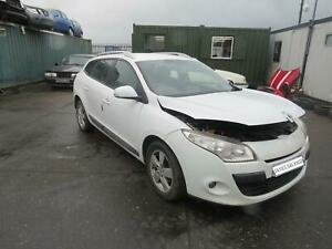 RENAULT MEGANE MK3 2011 REF - A623  / FRONT WIPER MOTOR AND LINKAGE FREE P&P