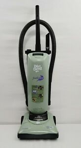 Royal Dirt Devil FEATHERLITE upright vacuum cleaner 12 amp Model 085540