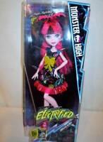 NIB NEW Monster High Electrified Hair Raising Draculaura Bat Outfit Clothes Doll