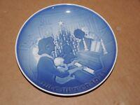 Bing and Grondahl B & G 1971 Christmas Plate Denmark Copenhagen