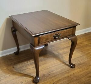 Pennsylvania House Queen Anne Style Cherry End Table  #12-1114 ( Please Read )