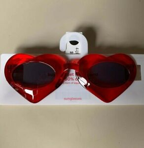 Gymboree red hearts Valentine's Day sunglasses size 4+. New with tags