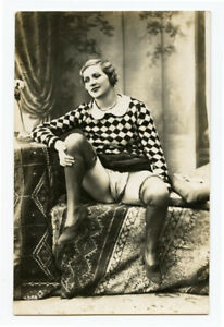 1920s French Risque Nude LEGGY FLAPPER Beauty photo postcard