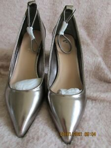 WOMENS ANKLE STRAP METALIC BLOCK HEELED SHOES PEWTER SIZE 5 NEW