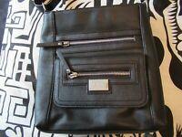 NWOT Tignanello Perfect Pocket Cross Body Shoulder Handbag Black Pebble Leather
