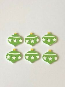 6x GREEN STAR PATTERN CHRISTMAS/XMAS BAUBLE 2 HOLE WOODEN BUTTONS