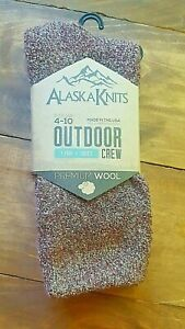 Alaska Knits Woman's Outdoor Crew Sock, Premium Wool, Shoe size 4-10, Red