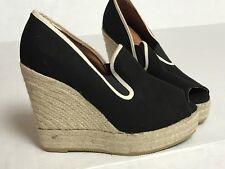 Excellent Kurt Geiger Wedge Canvas Shoes size 39 8.5