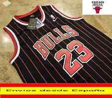 CAMISETA NBA RETRO  CHICAGO BULLS JORDAN  N.23  TALLA (S)  NEGRO Y RAYAS ROJAS.