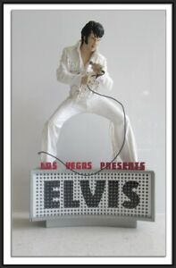 ELVIS PRESLEY #3 FIGURE LAS VEGAS LIVE CONCERT 1970 - MCFARLANE TOYS