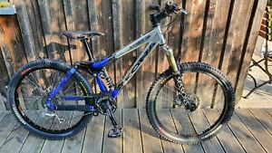 Kona Stinky Jr 24 Zoll Downhill-Bike