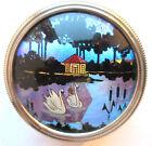 boite Art Déco chromée argent, décor ailes de papillon: Paysage lacustre Cygnes