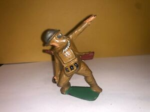 Vintage Barclay Manoil Lead Soldier With Gas Mask Tossing Grenade No31 Ref211