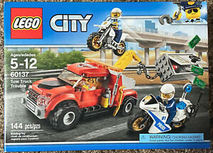 LEGO City 60137 TOW TRUCK TROUBLE Brand New Retired Set * Free Shipping