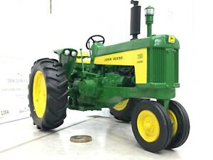 Danbury/Franklin mint 1:16 John Deere 730 Farm Tractor clock classic boxed 112