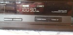 Akai AT-M670L FM/AM/LW stereo tuner