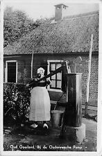 POSTCARD   NETHERLANDS  Social  History  lady  Pumping  water