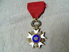 Belle ancienne médaille belge Chevalier ordre de la couronne
