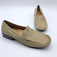 Softspots Hepburn Women Beige Leather Slip On Loafer Shoe Size 8N Pre Owned