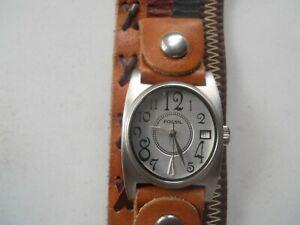 Fossil women's wide brown leather band.quartz,battery & Analog dress used watch.