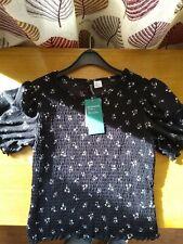 H&M Cropped T-Shirt Size Medium
