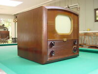 """Classic 1940's RCA 721TS 10"""" Channel 1 Table Top TV"""