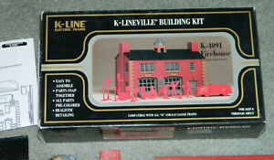 VINTAGE K-Line K-4091 Firehouse Kit, NEW IN OPEN  BOX, 0 & 027 GAUGE W/ PEOPLE