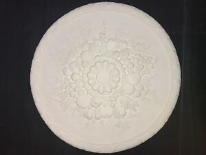 Plaster ceiling rose. 565mm wide. CP44