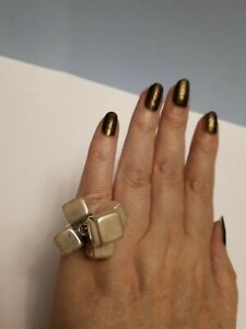 Unusual 925 ring with 5 moveable silver cubes size N. Quirky.