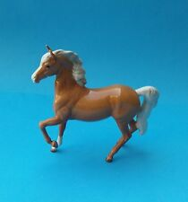 FIRST VERSION BESWICK PALOMINO (PRANCING ARAB TYPE) HORSE FIGURINE - No. 1261