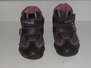 Bliss ankle Baby leather Girl  Boots size 26/9 purple.