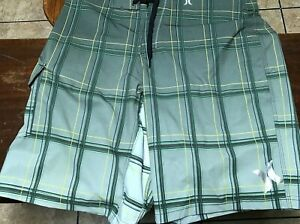 men's Hurley Phantom board shorts size 32 green, yellow