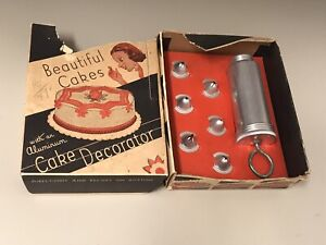 Vtg Cookie Pastry Pastry 6 Tips Baking Set Box Cutter Aluminum Cake Decorator