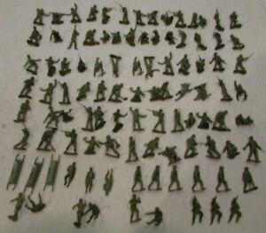 1960's Marx playset WW2 100 dark olive drab USA Marines soldiers 3 medical team