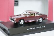 Starline 1/43 - Lancia 2000 Coupe HF 1971 Rojo