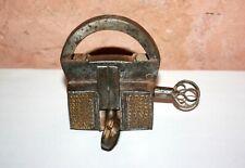 ancien cadenas de Nuremberg Italy en fer forgé antique padlock Islamic Inde