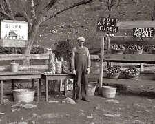 VIRGINIA CIDER & APPLE STAND 8X10 PHOTO DEPRESSION 1935