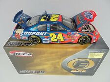Jeff Gordon #24 DuPont Looney Tunes 2003 MC Action Elite 1/24th Nascar Diecast M