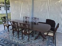ETHAN ALLEN 18TH CENTURY MAHOGANY DINING TABLE & CHAIRS SET