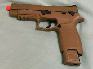SIG SAUER AIR PRO FORCE M17 AIR SOFT PISTOL CO2 WITH PELLETS VERY NICE