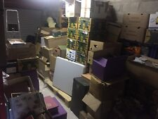 10 KG scatola piena di parti e di intere collezioni di francobolli da più possedimenti