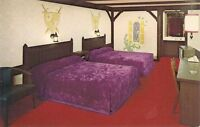 Interior Knights Inn Motel, Purple Bedspreads. Columbus OH .Vintage Postcard.