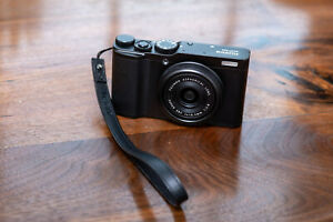 Fujifilm XF10 24.2MP Digital Camera - Minor scuffs
