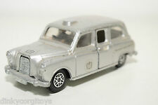 DINKY TOYS 241 AUSTIN LONDON SILVER JUBILEE TAXI EXCELLENT CONDITION
