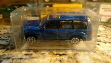 Toyota Land Cruiser blue 1:64 Golden Wheel