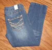 MAURICES ~ SIZE 3/4 ~ DISTRESSED BLING POCKETS CAPRI JEANS ~ EUC