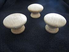 3 anciennes  poignées de meuble-tiroirs  ronde  20 ème en bois