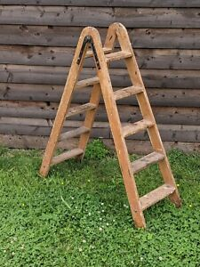 Lovely Old Vintage Wooden Medium Size Step Ladder 5 Rungs